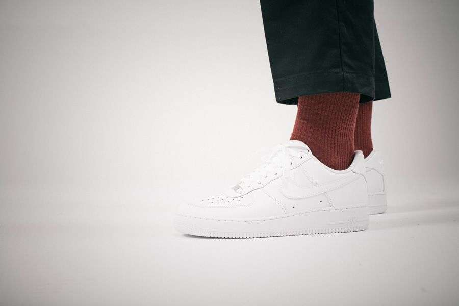general-releases-no-time-for-hype-bianco-nike-air-force-1-on-feet.jpg