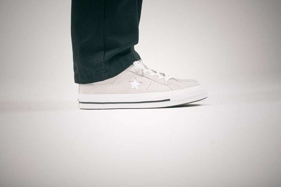 general-releases-no-time-for-hype-ezra-converse-one-star-on-feet.jpg