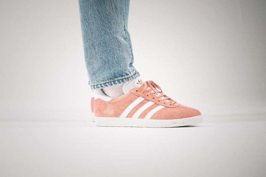 general-releases-no-time-for-hype-uma-adidas-gazelle-on-feet.jpg